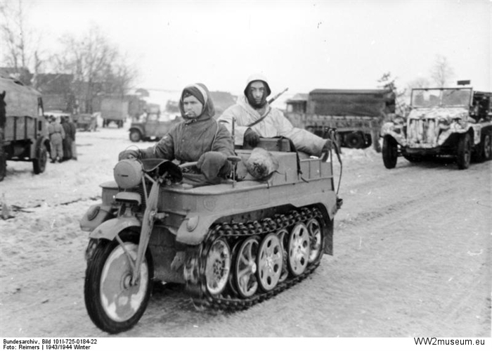 Bundesarchive WW2museum Online Water and land vehicles (3)
